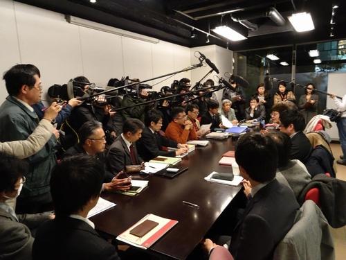 会見に応じる全国ジャパンライフ被害弁護団連絡会(1月20日)