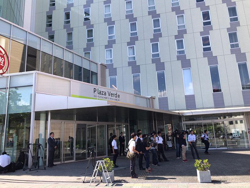 スルガ・株主総会の会場入り口(6月26日午前8時過ぎ)