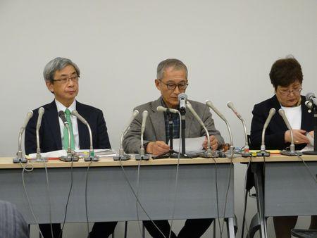 会見する被害弁護団連絡会(12月18日TSR撮影)